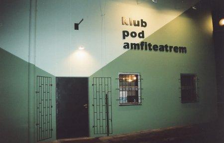 - klub_pod_amfiteatrem.jpg